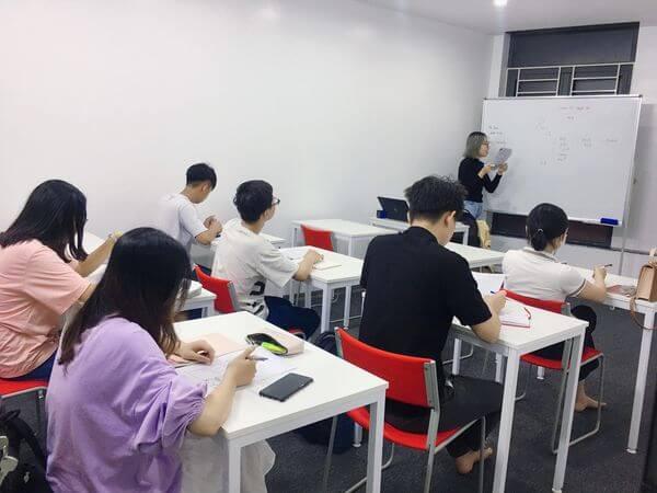 Cách Xây Dựng và Tạo Động Lực Học Tiếng Anh